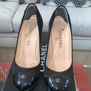 Chanel Escarpins (with box)